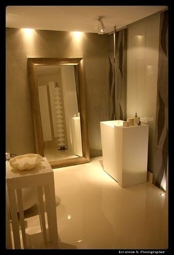 Casa moderna roma italy rivestimenti bagno in resina - Rivestimento bagno resina ...